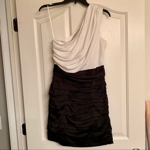 Express Sz 6 One Shoulder Dress
